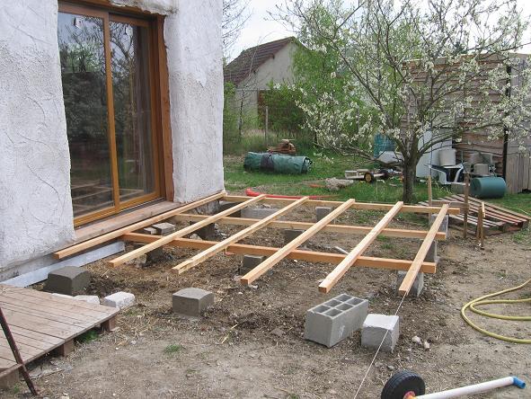 terrasse bois piscine vaucluse diverses. Black Bedroom Furniture Sets. Home Design Ideas